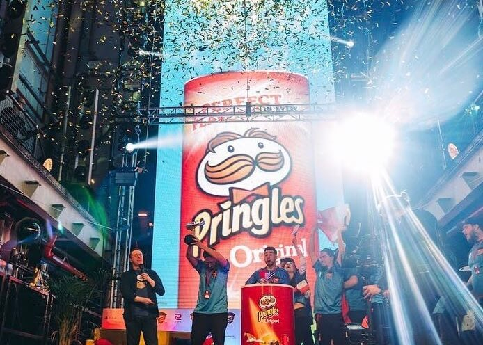 Pringles 'Battle Couch'